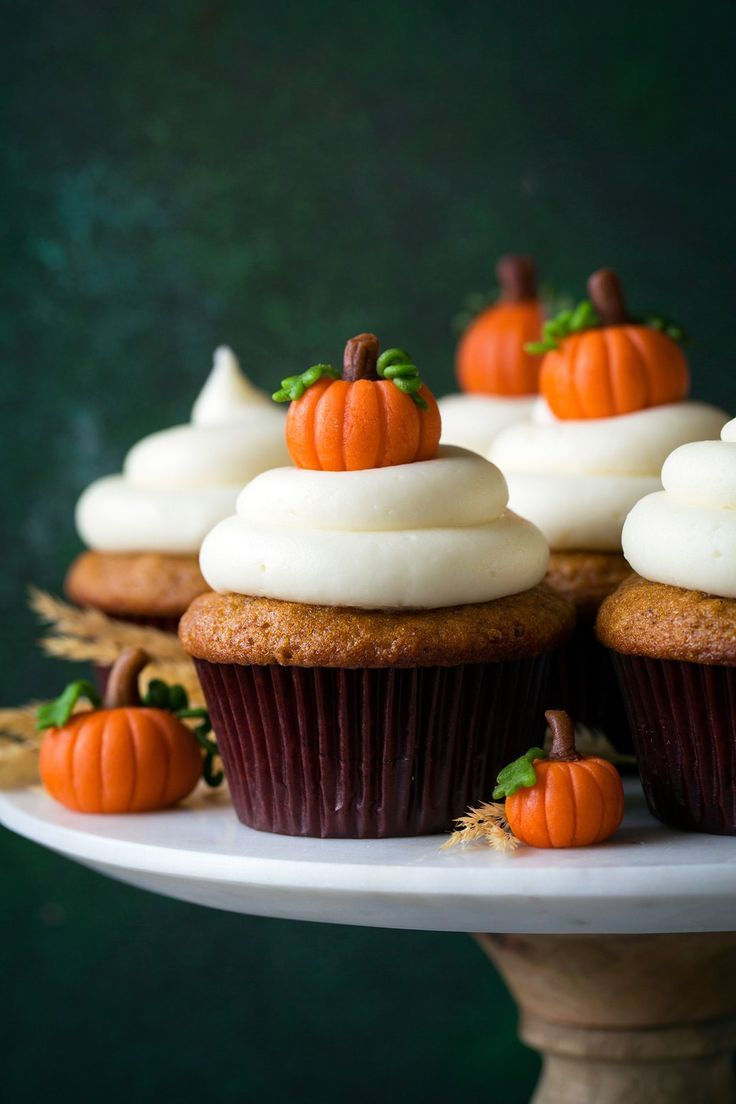Fun and Easy Witches' Brew Halloween Cupcakes